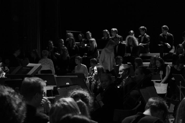 Orkesteri:kuoro