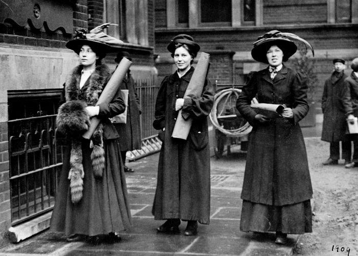 englantilaiset-suffragetit-1909-1451970380426